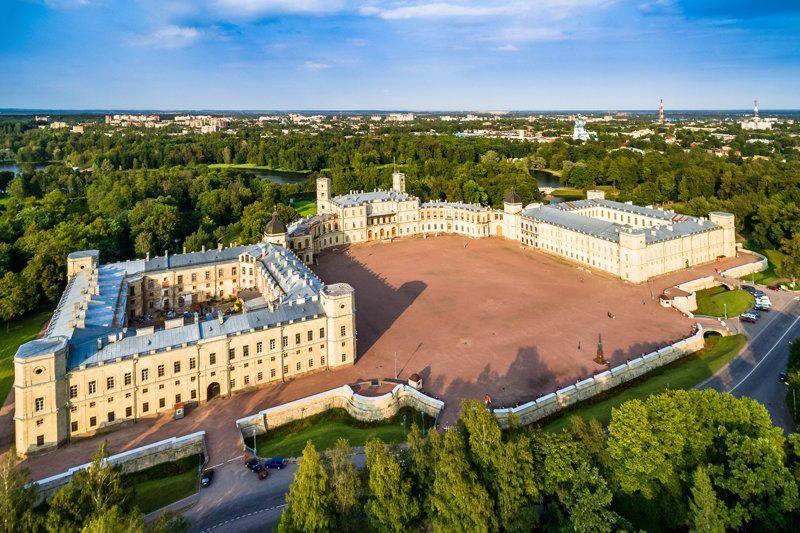 Вид сверху на Гатчинский Императорский дворец. Excursspb
